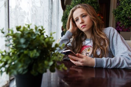 teen-girl-sad